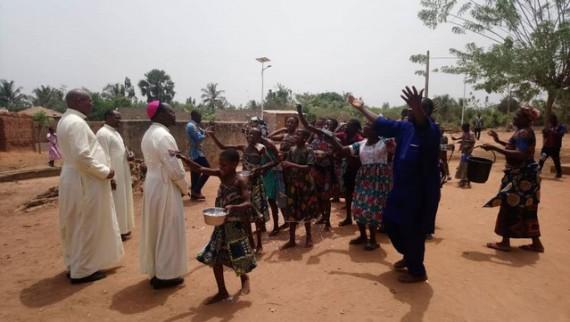 Visite pastorale à Attitogon